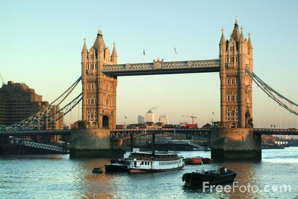 Picture of Tower Bridge - Free Pictures - FreeFoto.com