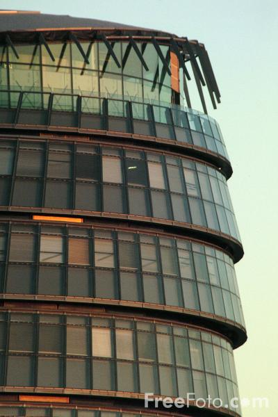 Picture of Greater London Authority Headquarters - Free Pictures - FreeFoto.com