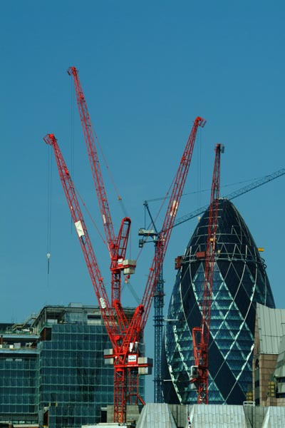 Picture of Swiss Re headquarters at 30 St Mary Axe, City of London - Free Pictures - FreeFoto.com
