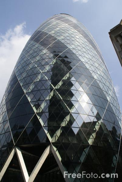 Picture of 30 St Mary Axe - Free Pictures - FreeFoto.com