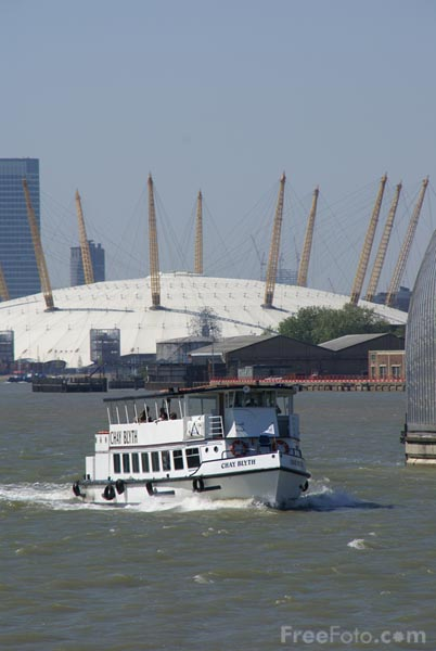 Picture of River Cruise on the River Thames - Free Pictures - FreeFoto.com
