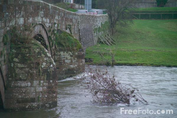 Picture of River Eamont in flood - Free Pictures - FreeFoto.com