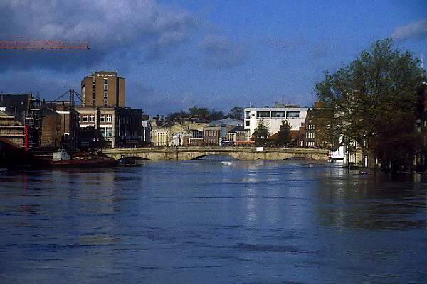 Picture of River Ouse, York, November 2000 - Free Pictures - FreeFoto.com