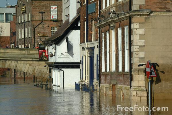 Picture of Flood, River Ouse, City of York - Free Pictures - FreeFoto.com