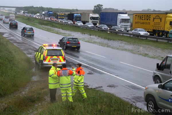 Picture of Highways Agency Traffic Patrol - Free Pictures - FreeFoto.com