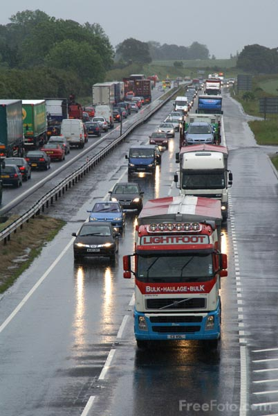 Picture of Traffic congestion caused by heavy rain - Free Pictures - FreeFoto.com