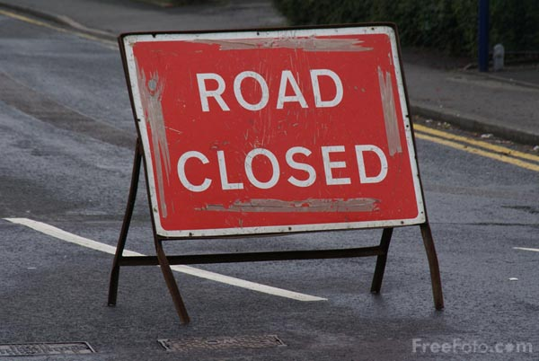 Picture of Road Closed Sign - Free Pictures - FreeFoto.com