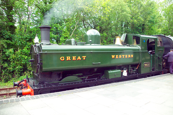 Picture of GWR Pannier Tank 0-6-0PT No. 4612 - Free Pictures - FreeFoto.com