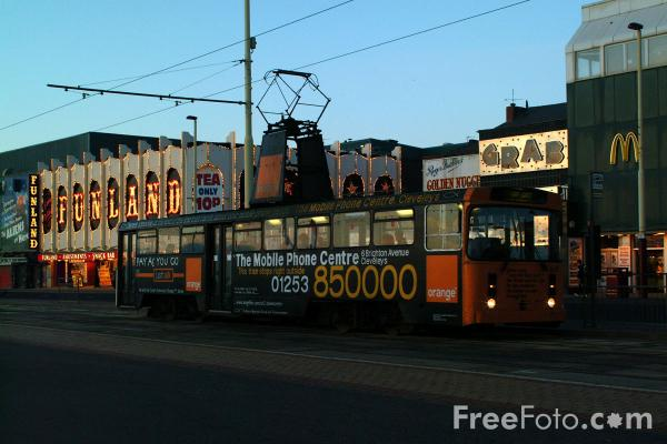 Picture of Blackpool Tram - Free Pictures - FreeFoto.com