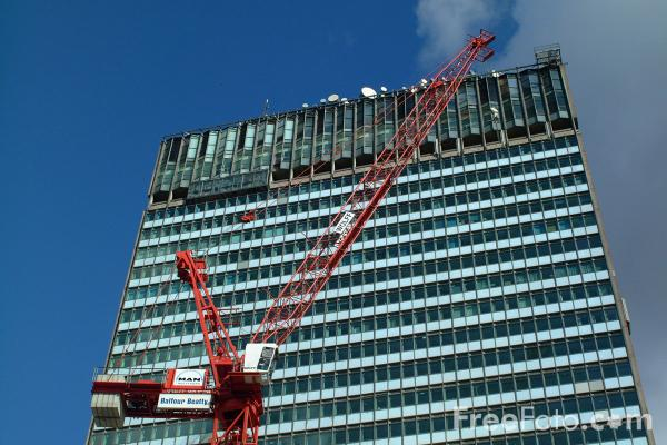 Picture of Sunley Tower, one of Manchester's tallest office blocks. - Free Pictures - FreeFoto.com
