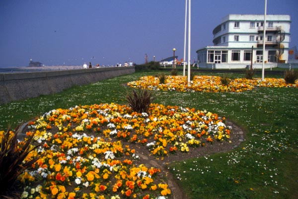 Picture of The Promenade, Morecambe - Free Pictures - FreeFoto.com