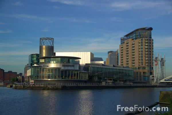 Picture of The Lowry Building, Salford Quays - Free Pictures - FreeFoto.com