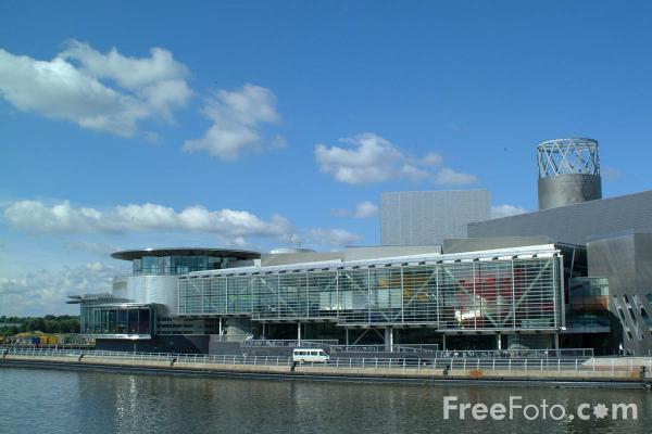 Picture of The Lowry, Salford Quays - Free Pictures - FreeFoto.com