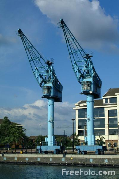 Picture of At the head of Ontario Basin stand two blue dock cranes - Free Pictures - FreeFoto.com