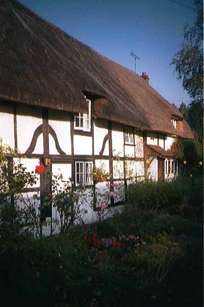 Picture of Thatched Cottage, Easton - Free Pictures - FreeFoto.com