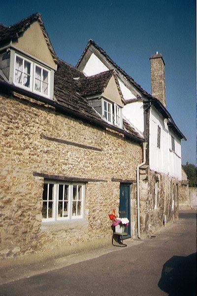 Picture of Half Timber Building, Lacock - Free Pictures - FreeFoto.com