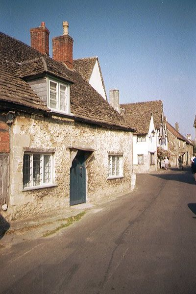 Picture of Stone built Cottage, Lacock - Free Pictures - FreeFoto.com