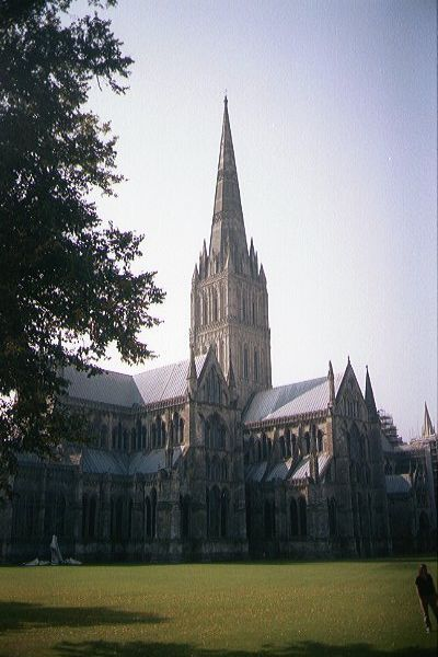 Picture of The Magnificent Salisbury Cathedral - Free Pictures - FreeFoto.com