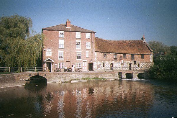 Picture of Ancient Watermill by the River Avon, Salisbury - Free Pictures - FreeFoto.com