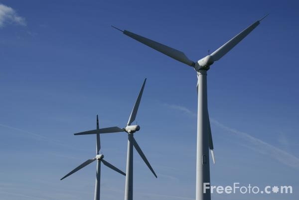 Picture of Royd Moor Wind Farm - Free Pictures - FreeFoto.com