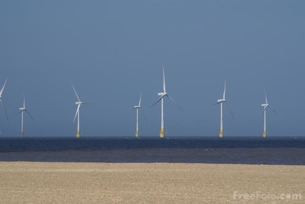 Picture of Scrobie Sands Wind Farm - Free Pictures - FreeFoto.com