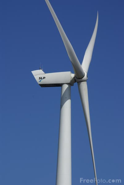 Picture of Lowestoft Wind Turbine - Free Pictures - FreeFoto.com
