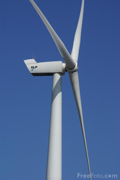 Lowestoft Wind Turbine pictures, free use image, 39-12-52 by FreeFoto.