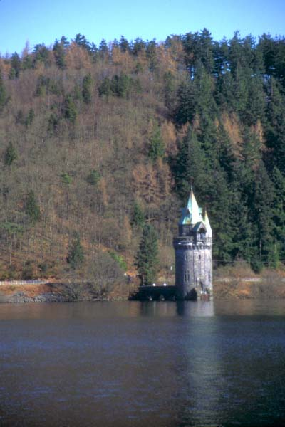 Picture of Lake Vyrnwy - Free Pictures - FreeFoto.com