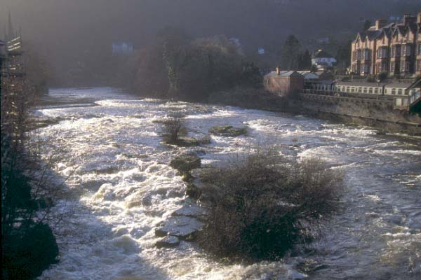 Picture of Llangollen - Free Pictures - FreeFoto.com