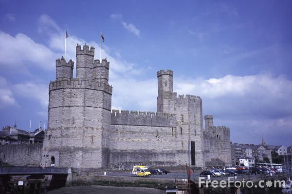 Picture of Caernarfon Castle - Free Pictures - FreeFoto.com