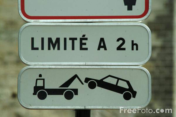 Picture of Car Tow Away Zone - Road Sign - Free Pictures - FreeFoto.com