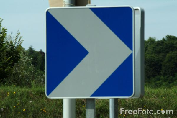 Picture of Keep Right - Road Sign - Free Pictures - FreeFoto.com