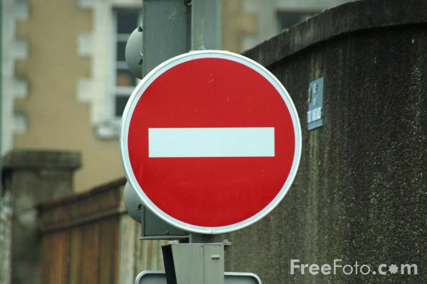 Picture of No Entry - Road Sign - Free Pictures - FreeFoto.com