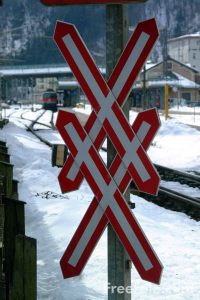 Picture of Railway Level Crossing - Road Sign - Free Pictures - FreeFoto.com