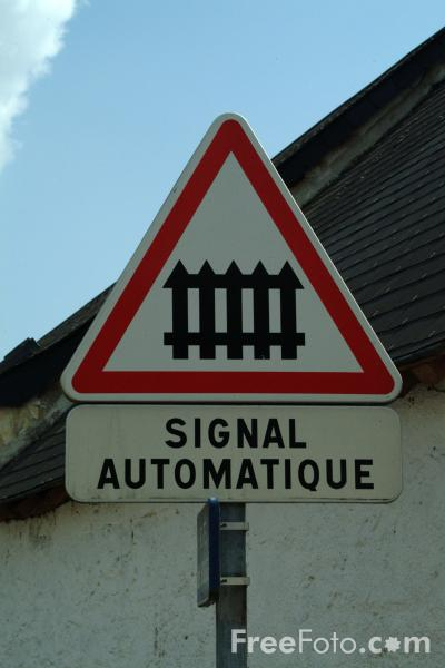 Picture of Signal Automatique  - Railroad Crossing - French Road Sign - Free Pictures - FreeFoto.com
