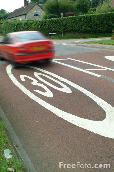 Picture of 30 mph speed limit road markings - Free Pictures - FreeFoto.com
