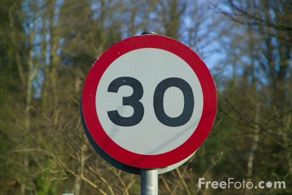 Picture of 30 mph zone - Free Pictures - FreeFoto.com
