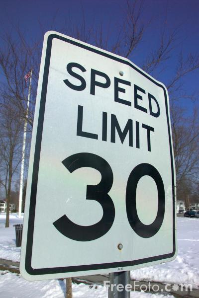 Picture of Speed limit 30 mph road sign - Free Pictures - FreeFoto.com