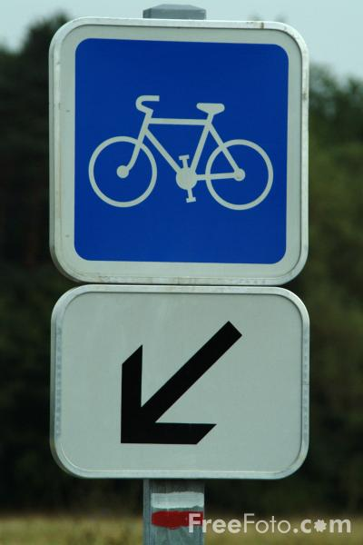 Picture of Bicycle Route -  Road Sign - Free Pictures - FreeFoto.com