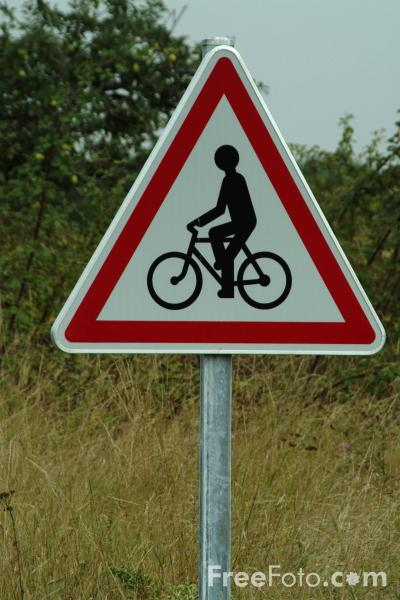 Bicycles Road on Picture Of Bicycle Route   Road Sign   Free Pictures   Freefoto Com