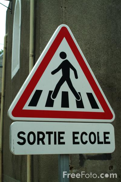 Picture of Sortie Ecole - French Road Sign - Free Pictures - FreeFoto.com