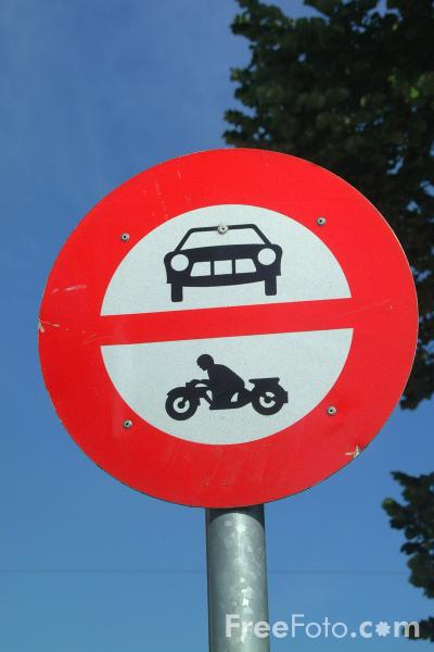 Picture of No Car / Motorbike Zone -  Road Sign - Free Pictures - FreeFoto.com