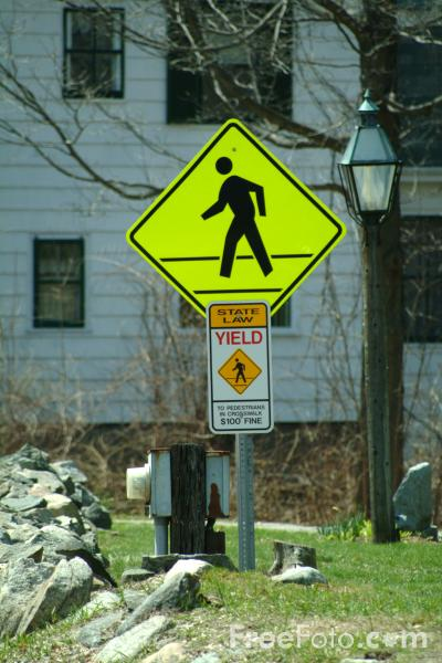 Picture of Pedestrian Crossing Road Traffic Sign - Free Pictures - FreeFoto.com