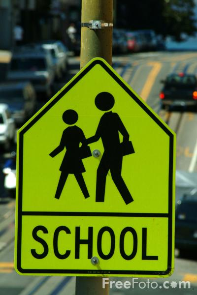 Picture of School Ahead Sign - Free Pictures - FreeFoto.com