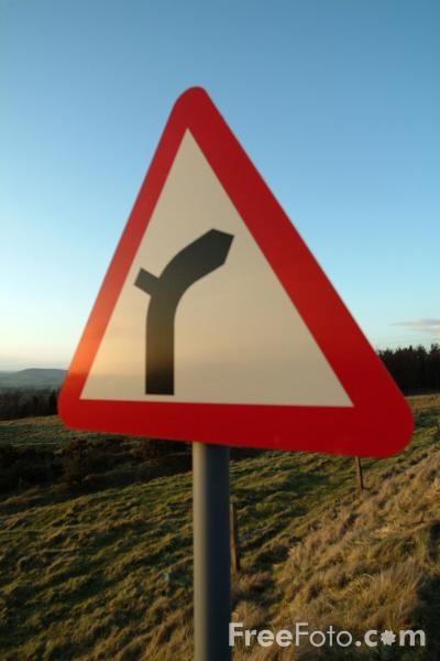 Picture of Road Bends Right Road Sign - Free Pictures - FreeFoto.com