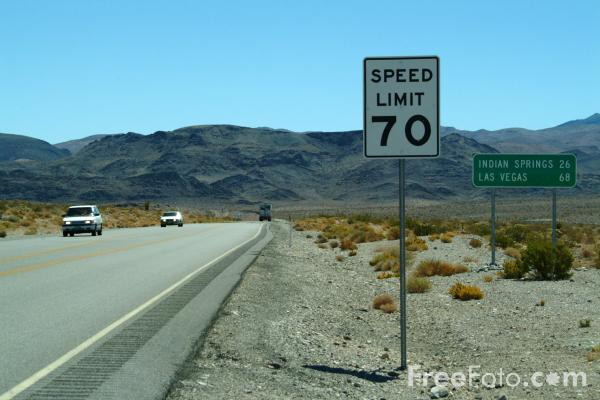Picture of Speed Limit 70 Sign - Free Pictures - FreeFoto.com