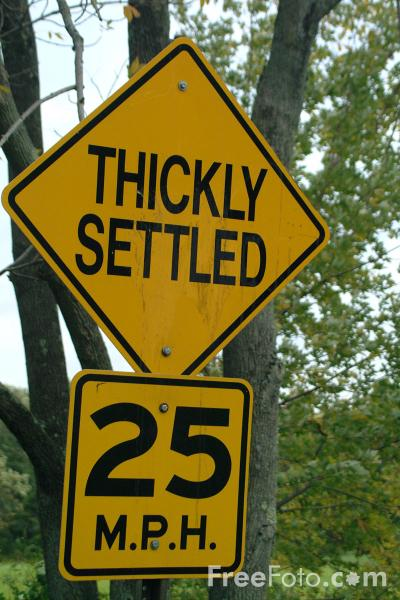 Picture of Thickly Settled - USA Road Sign - Free Pictures - FreeFoto.com