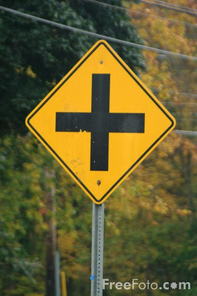 Picture of Cross Roads - USA Road Sign - Free Pictures - FreeFoto.com
