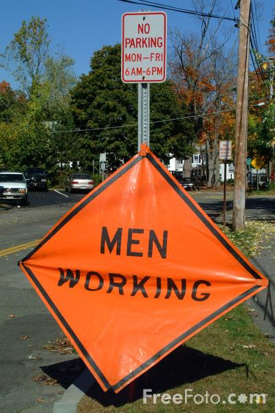 Picture of Men Working - USA Road Sign - Free Pictures - FreeFoto.com