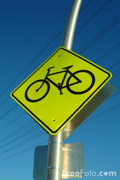 Picture of Bicycle Route Sign - Free Pictures - FreeFoto.com